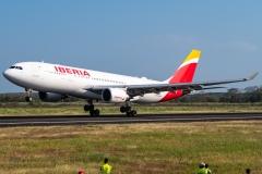 Iberia Airbus A330 EC-MLP Aterrizando Tocumen Open Day 2020