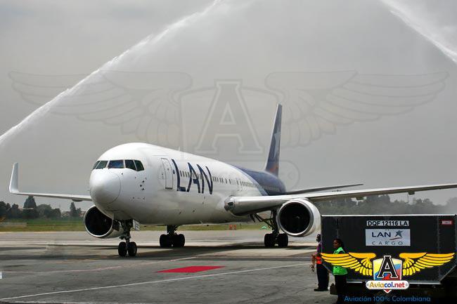 Boeing 767-300 de LAN Colomba