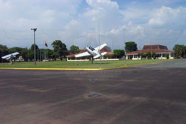 EMAVI Escuela Militar de Aviación - Rampa de Paradas