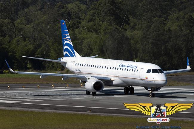 Embraer 190 de COPA Airlines Colombia en el Aeropuerto José María Córdova