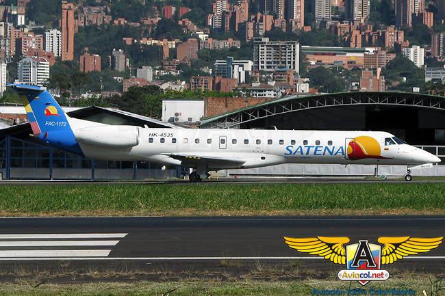 Embraer ERJ-145 de Satena en el Aeropuerto Olaya Herrera de Medellín