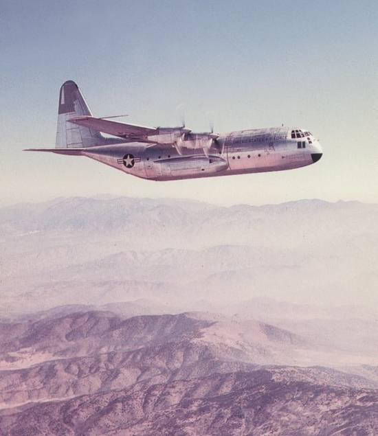 Prototipo YC-130 Hercules
