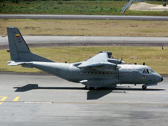 CASA CN-235 de la Fuerza Aérea Colombiana en Medellín (Rionegro)