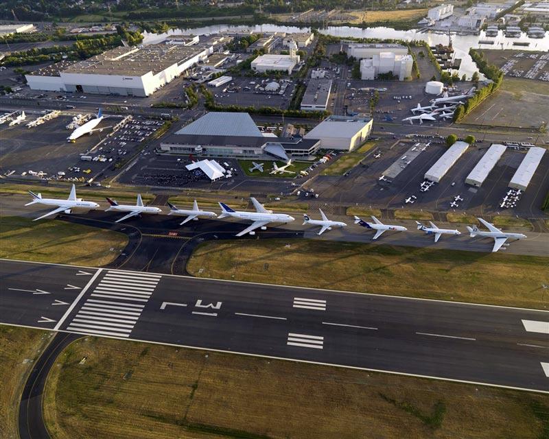 Homenaje de Boeing a su familia de aviones 7x7 en presentación del 787 Dreamliner