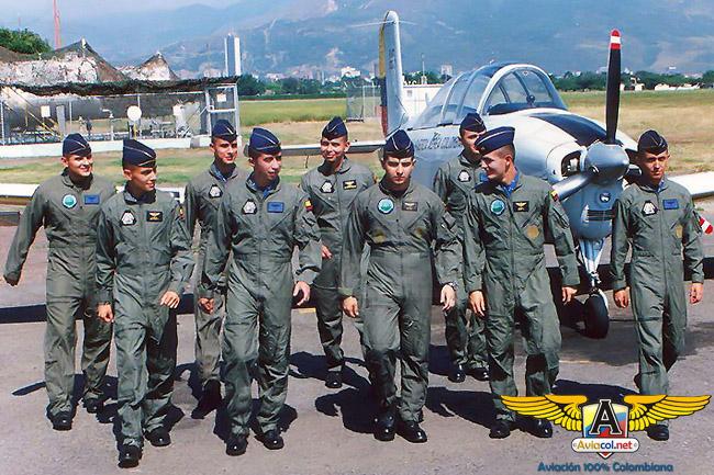 Primeros Cadetes de la FAC Virtual - Aviacol.net El Portal de la Aviación Colombiana