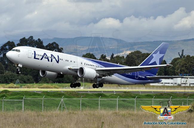 Boeing 767 de LAN despegando de Bogotá | Aviacol.net