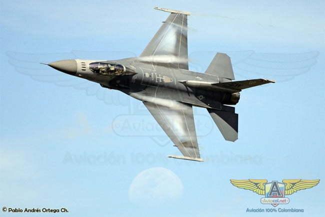 Volando un F-16 en Colombia | Aviacol.net El Portal de la Aviación Colombiana