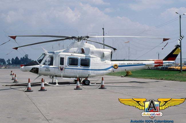 Foto del helicóptero accidentado en un esquema de colores distinto