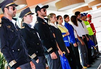 VivaColombia presentó los uniformes para tripulaciones y personal de tierra y administrativo   Aviacol.net el Portal de la Aviación Colombiana
