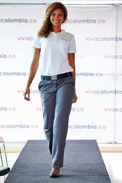 VivaColombia presentó los uniformes para tripulaciones y personal de tierra y administrativo