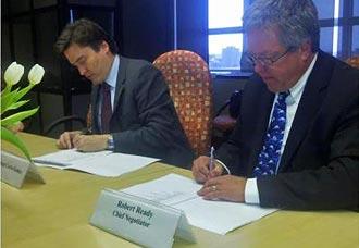 Colombia y Canadá firman acuerdo aerocomercial | Aviacol.net El Portal de la Aviación Colombiana