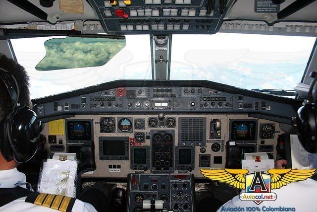 Cabina de un British Aerospace Jetstream 41 durante el vuelo inaugural entre Bogotá y Villavicencio (ruta que fue cancelada posteriormente)