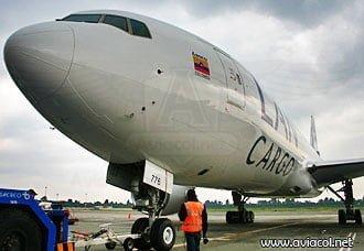 La Línea Aérea Carguera de Colombia presentó su nuevo Boeing 777F | Aviacol.net El Portal de la Aviación Colombiana