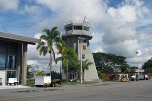 El Edén tiene vuelos internacionales a Aruba y Fort Lauderdale.