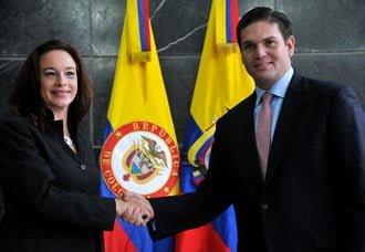 Colombia y Ecuador firman convenio para fortalecer interdicción aérea | Aviacol.net El Portal de la Aviación Colombiana