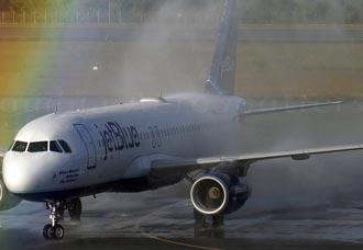JetBlue aterrizó en Medellín | Aviacol.net El Portal de la Aviación Colombiana