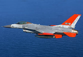 Primer QF-16 modificado por Boeing vuela sin piloto