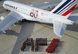 Air France recibió el Airbus A320 pintado con el logo de los 80 años | Aviacol.net El Portal de la Aviación Colombiana