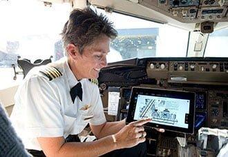 Delta equipará a 11.000 pilotos con tabletas Microsoft Surface 2   Aviacol.net El Portal de la Aviación Colombiana