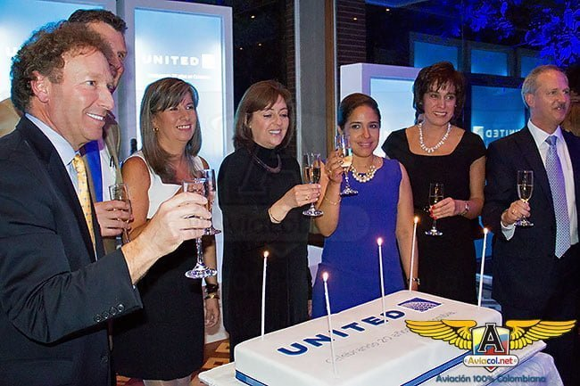 United Airlines celebró dos décadas de operación en Colombia   Aviacol.net El Portal de la Aviación Colombiana