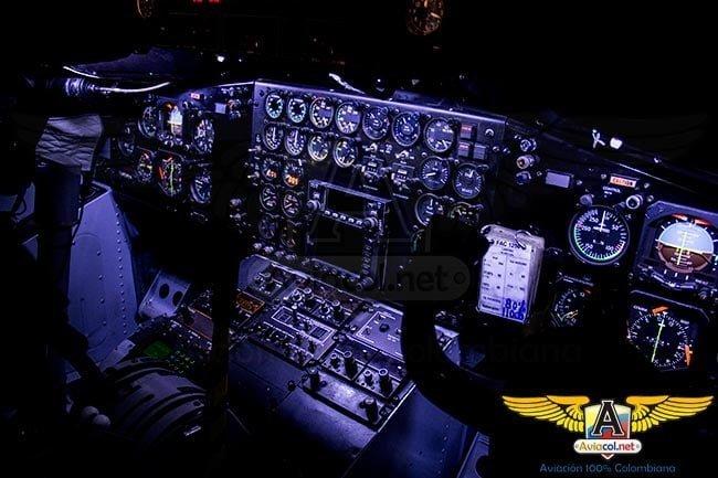 CASA C-212 de la FAC equipado con luces LED   Aviacol.net El Portal de la Aviación en Colombia y el Mundo