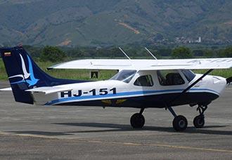 Bautizo del primer avión de la Escuela de Pilotos SAV   Aviacol.net El Portal de la Aviación en Colombia y el Mundo