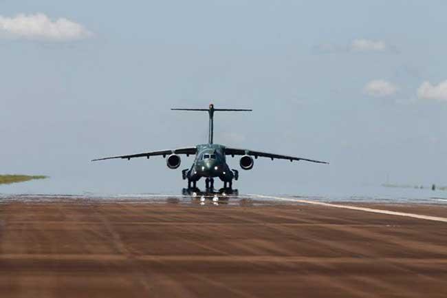 El Embraer KC-390 hace su primer vuelo | Aviacol.net El Portal de la Aviación en Colombia y el Mundo