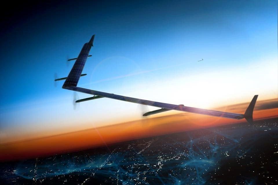 Este es Aquila, el dron solar de Facebook que proveerá Internet en zonas lejanas del mundo / Aviacol.net El Portal de la Aviación