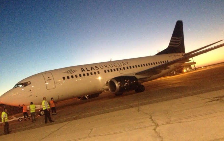 Llegó a Montevideo el primer Boeing 737-300 de Alas Uruguay