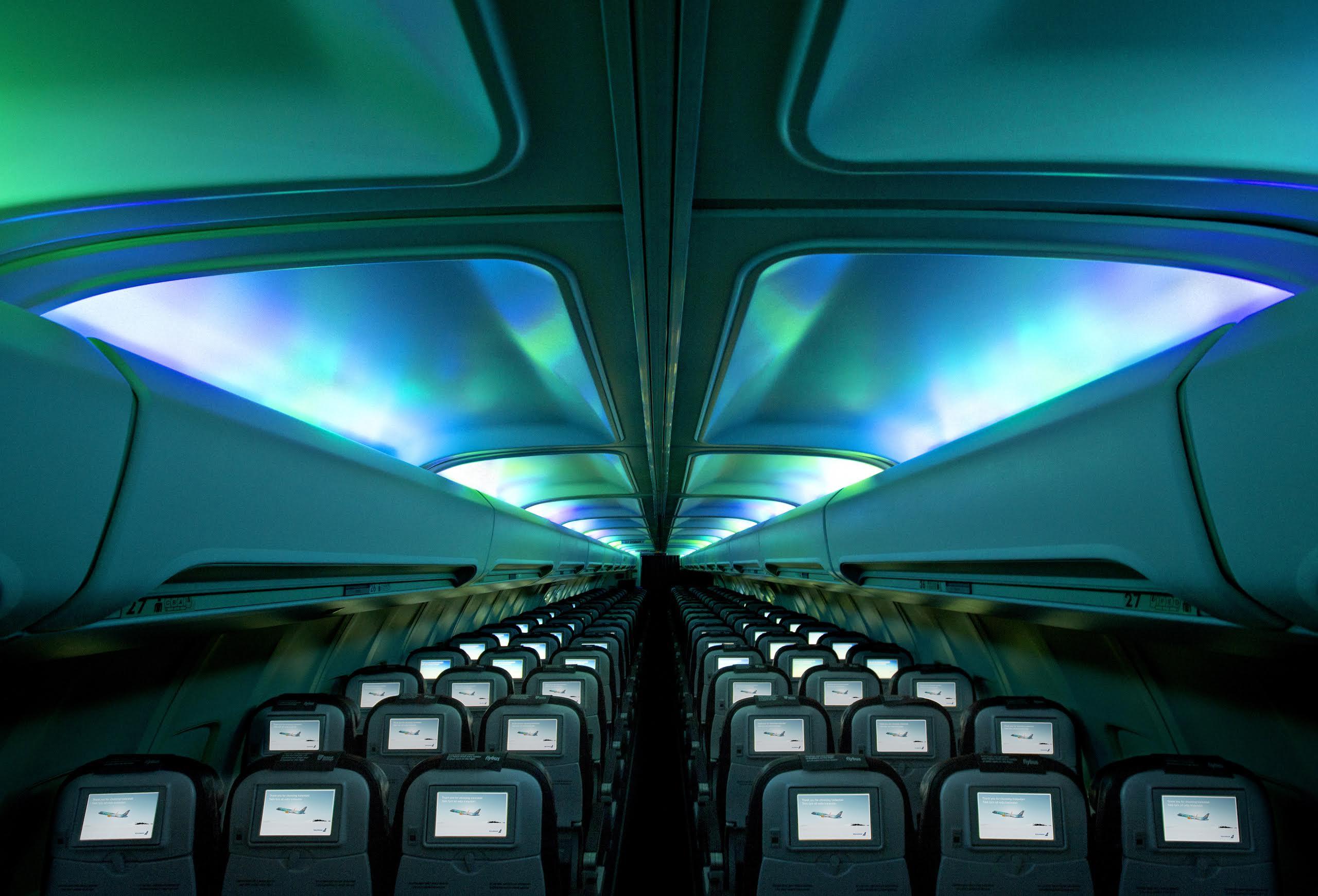 Icelandair convierte uno de sus aviones en aurora boreal