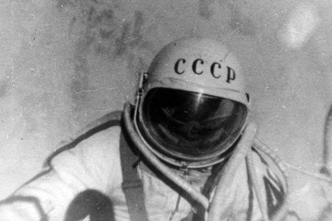 50 años de la primera caminata espacial   Aviacol.net El Portal de la Aviación