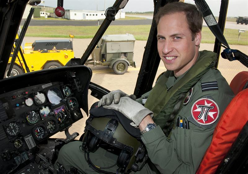 Príncipe Guillermo comienza a trabajar como piloto de ambulancias aéreas y donará su sueldo a organizaciones sin fines de lucro / Aviacol.net El Portal de la Aviación