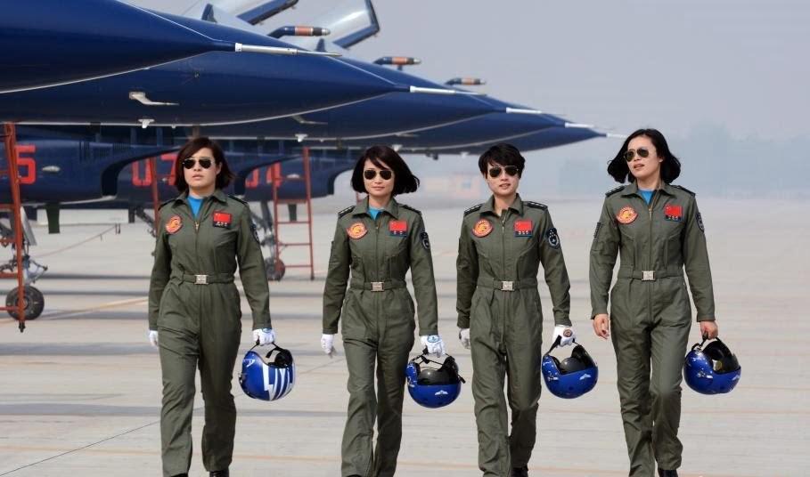 Mujeres pilotos realizan hazaña, al participar en espectáculo aéreo a bordo de aviones de combate J-10 chinos   Aviacol.net El Portal de la Aviación