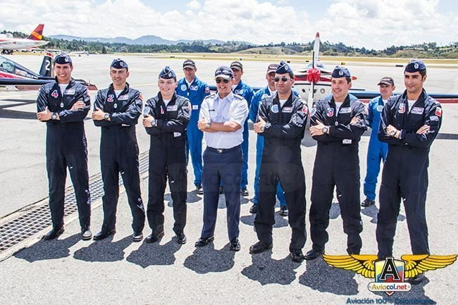 A bordo con los Halcones de Chile en la F-air 2015 | Aviacol.net El Portal de la Aviación