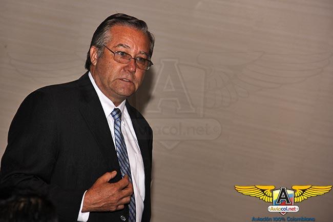 Ric Peri, Vicepresidente para temas de Gobierno e Industria de la AEA