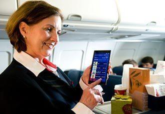 Auxiliares de vuelo de Delta contarán con nueva tecnología portátil