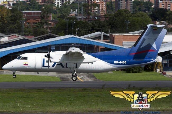 Dash 8-200 de LAN en el Aeropuerto Olaya Herrera de Medellín.