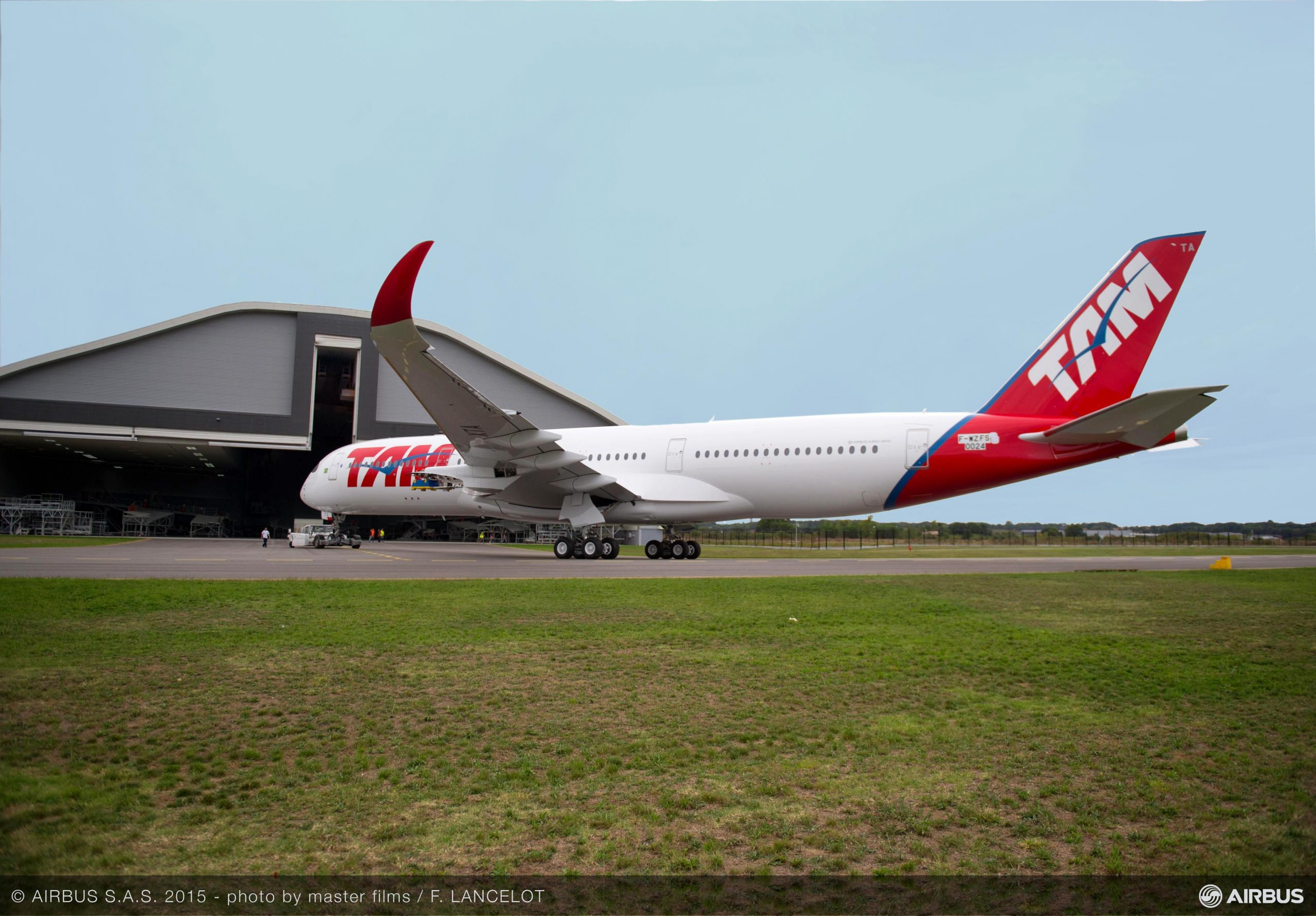 Primer A350XWB de TAM