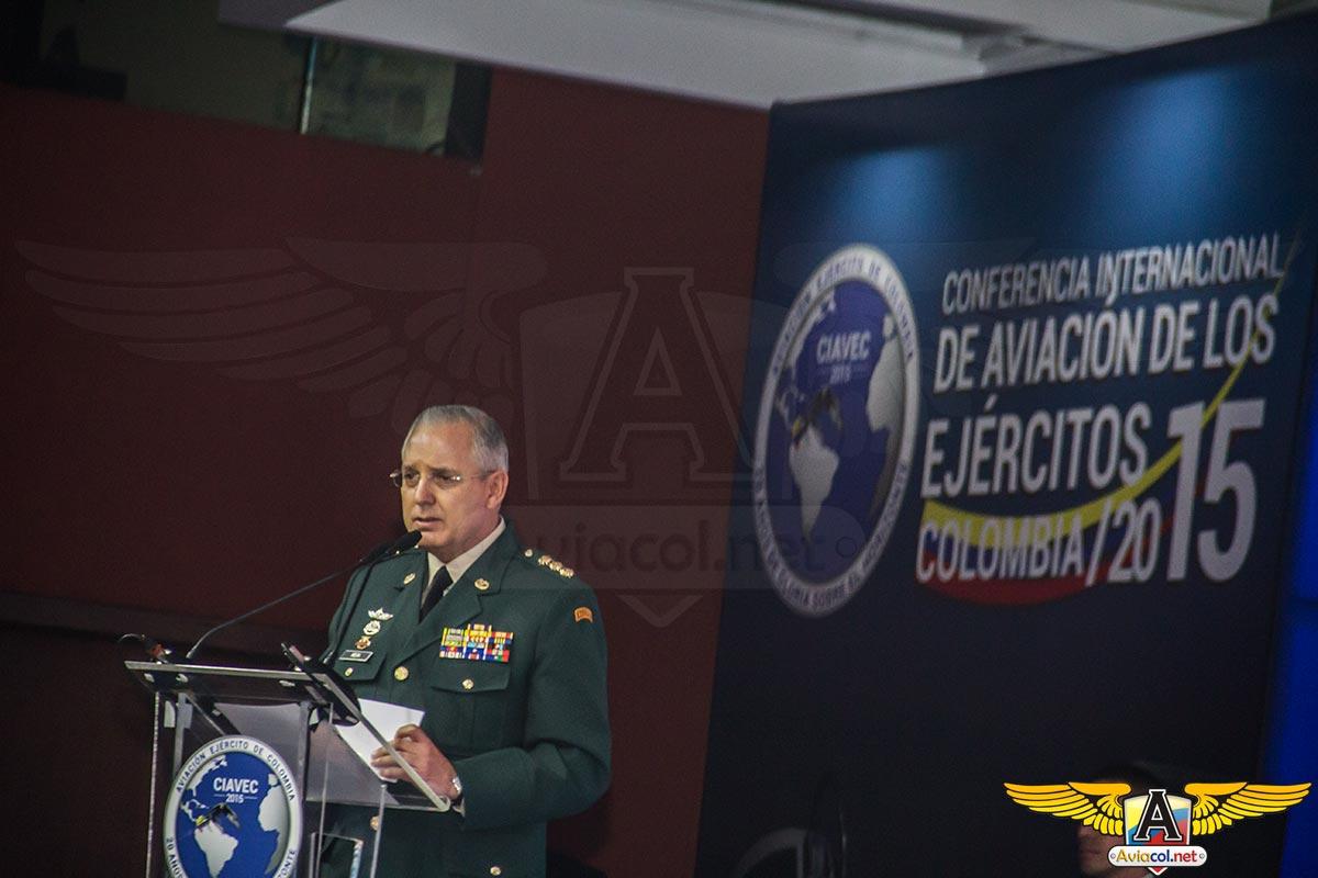Mayor General Alberto José Mejía Ferrero, Comandante del Ejército de Colombia, durante CIAVEC 2015