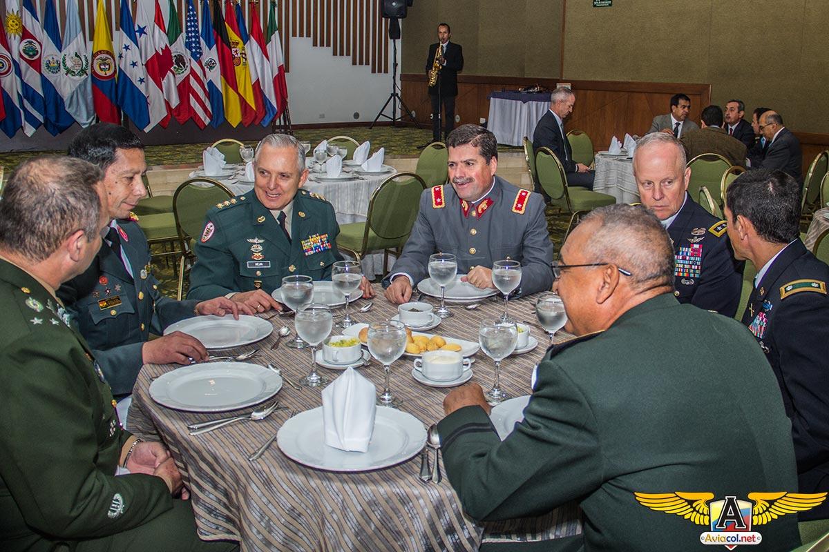 Conociendo la aviación de ejércitos del mundo CIAVEC 2015