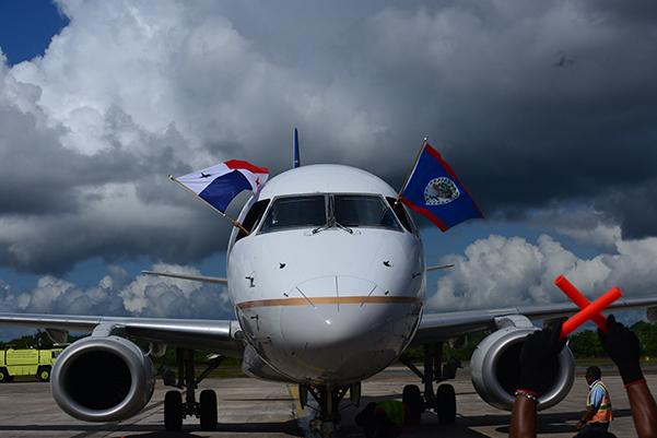 Embraer 190 de Copa Airlines llegando a Ciudad de Belice
