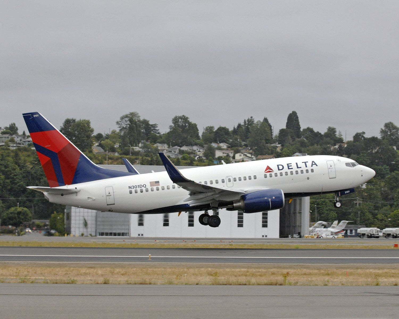 Boeing 737-800 de Delta Air Lines aterrizando