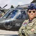 Primera mujer piloto al mando de Black Hawk en la FAC