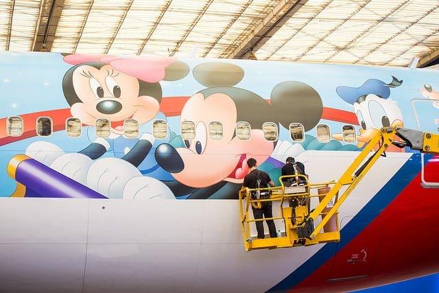 """Preparación del """"Avión de los Sueños"""" por parte de TAM y Disney"""