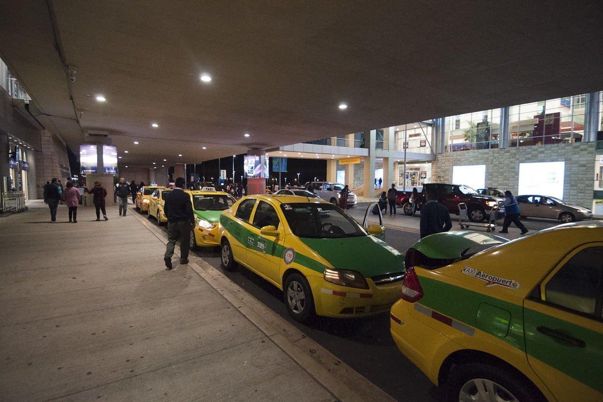 Zona de llegadas del Aeropuerto Mariscal Sucre de Quito
