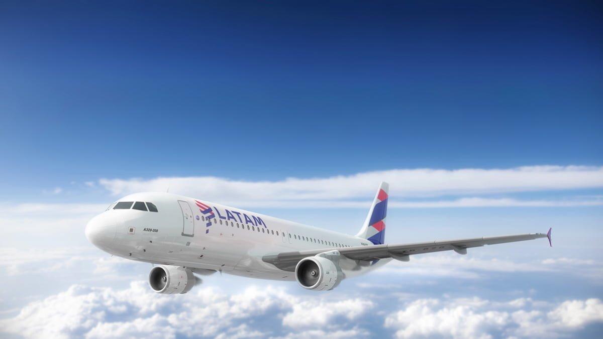 Render Airbus A320 de LATAM Airlines - Vista frontal