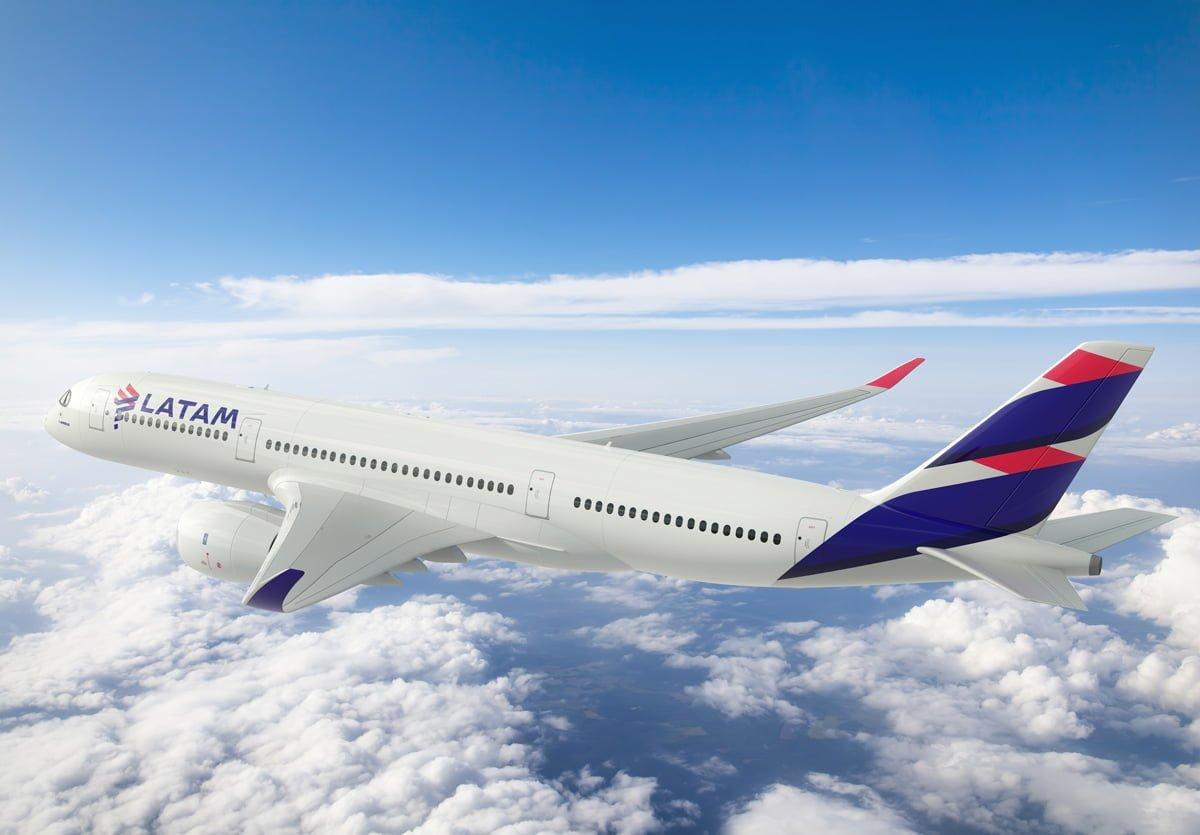 Render Airbus A350 de LATAM Airlines - Vista lateral posterior