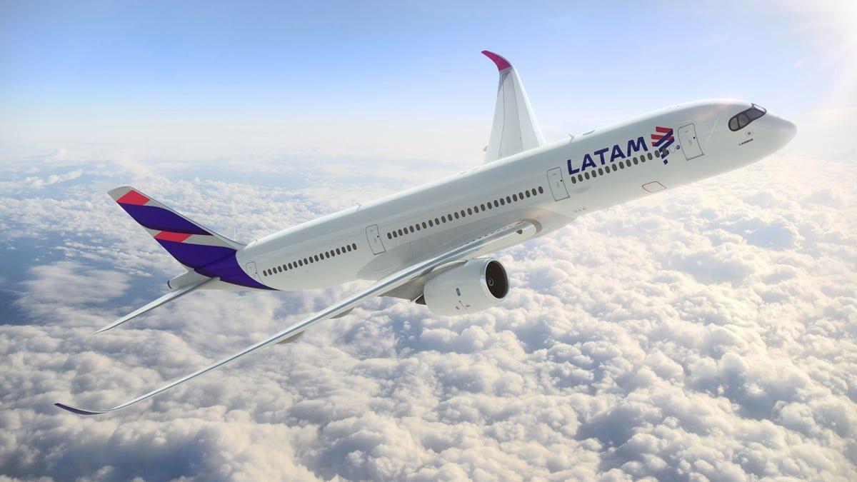 Render Airbus A350 de LATAM Airlines - Vista frontal