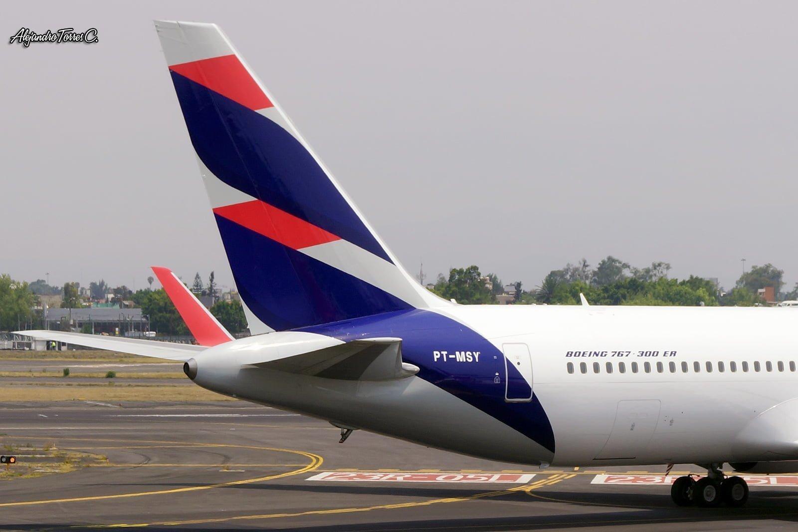 Detalle de la cola del nuevo livery de LATAM Airlines