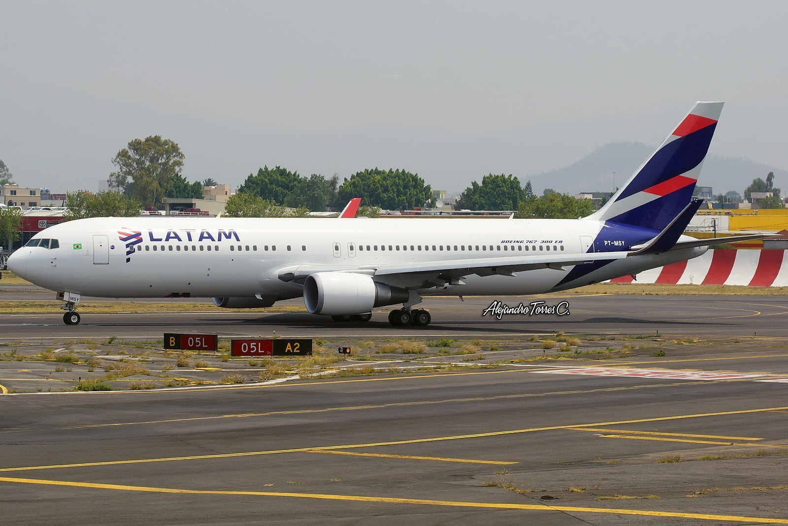 Boeing 767-300ER con livery de LATAM Airlines
